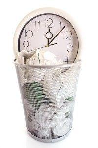 Mamá no tires tu escaso tiempo a la basura